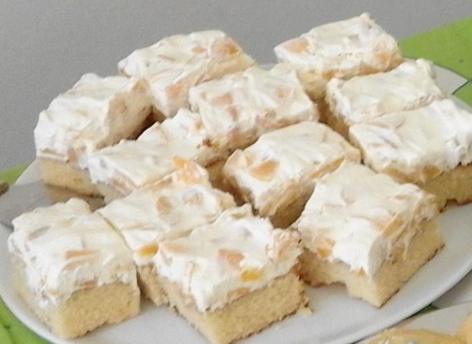 Kuchenboden mit Pfirsichcreme